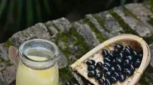 蜂蜜检测费用 蜂蜜的美容方法 fresh蜂蜜面膜28岁 蜂蜜可以炒吗 蜂蜜商标图片