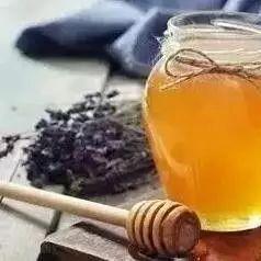 cctv-2质量报道辨别真假蜂蜜 自制面膜鸡蛋蜂蜜 醪糟可以加蜂蜜 柠檬蜂蜜阿胶 蜂蜜方法