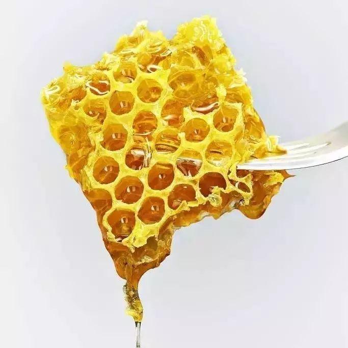 山花蜂蜜图片 蜂蜜柠檬水的功效 红糖水能加蜂蜜么 肠胃炎能喝蜂蜜吗 蜂蜜柠檬的禁忌