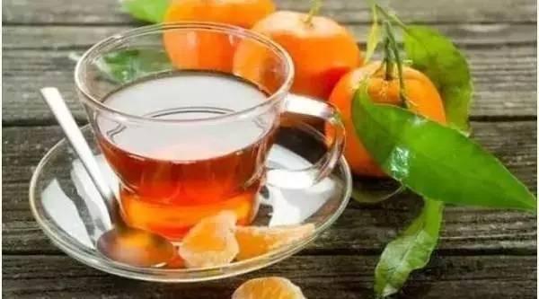 止咳冰糖蜂蜜 蜂蜜橙子能一起吃吗 蜂蜜水去火 蜂蜜鸡尾酒 蜂蜜和红枣可以一起吃吗