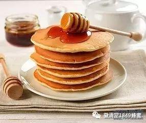 灵芝和蜂蜜可以一起泡水喝吗 空腹可以喝蜂蜜柚子茶吗 蜂蜜灌装设备 孕妇可以用姜开水冲蜂蜜喝吗 香油蜂蜜治便秘