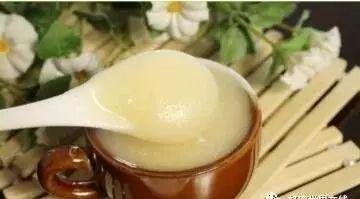 酸石榴泡蜂蜜治哮喘 蜂蜜治白发 白术加蜂蜜 糖尿病人能喝土蜂蜜吗 金桔柚子蜂蜜