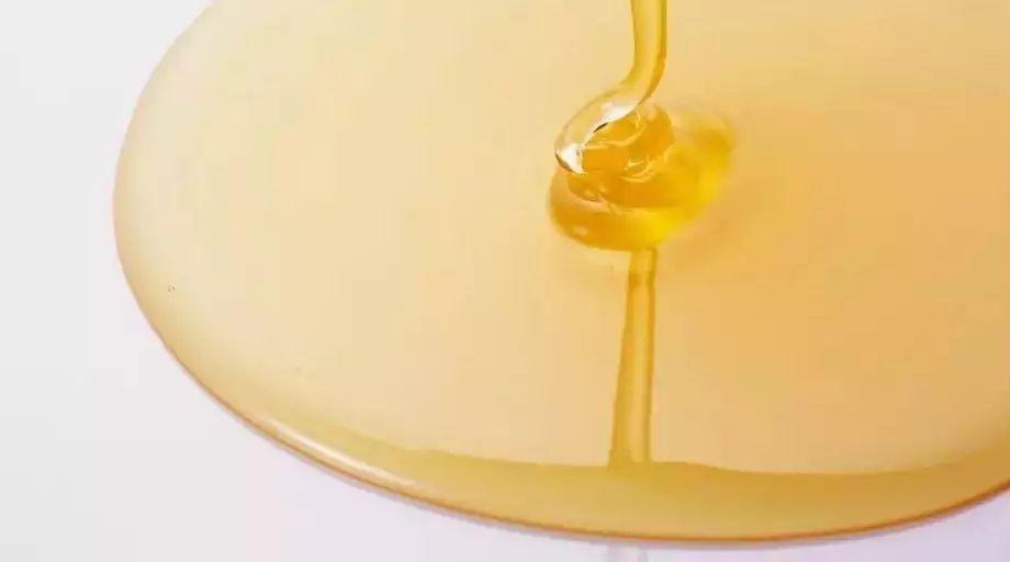 冬蜂蜜的作用与功效 萝卜蜂蜜孕妇能吃吗 馒头放蜂蜜 蜂蜜怎么邮寄 有毒蜂蜜