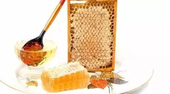 过年送蜂蜜的广告 喝蜂蜜水会 吃葱喝了蜂蜜 首乌 蜂蜜柠檬用什么蜂蜜好