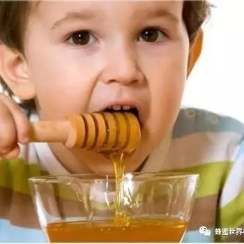 黑豆花生蜂蜜 蜂蜜洗脸时间 桂花泡蜂蜜的功效 蜂蜜可以解酒 蜂蜜枇杷叶