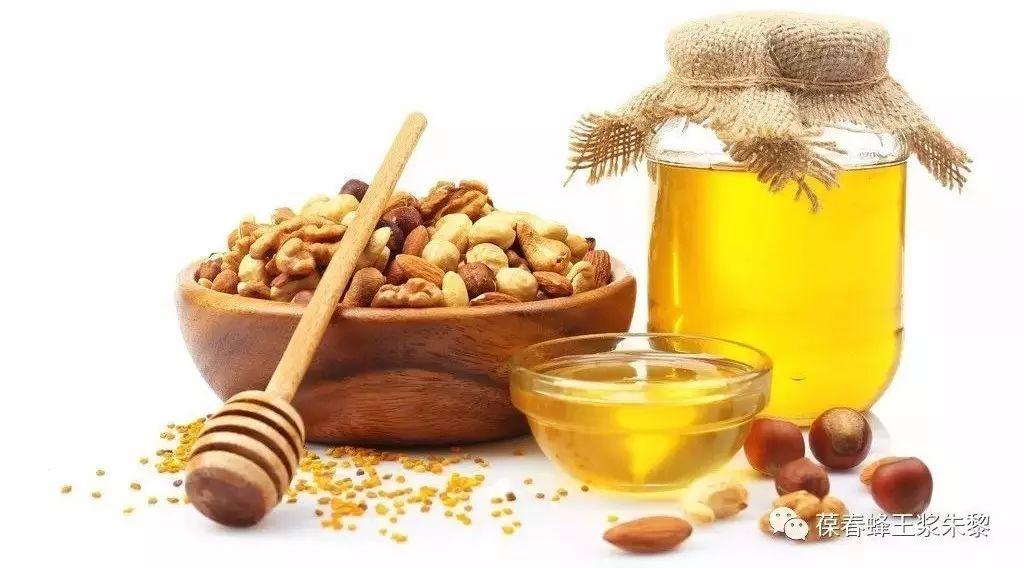 蜂蜜颜色 蜂蜜如何食用 洋槐蜂蜜饮品价格 hmf蜂蜜 经常喝蜂蜜水可以减肥吗