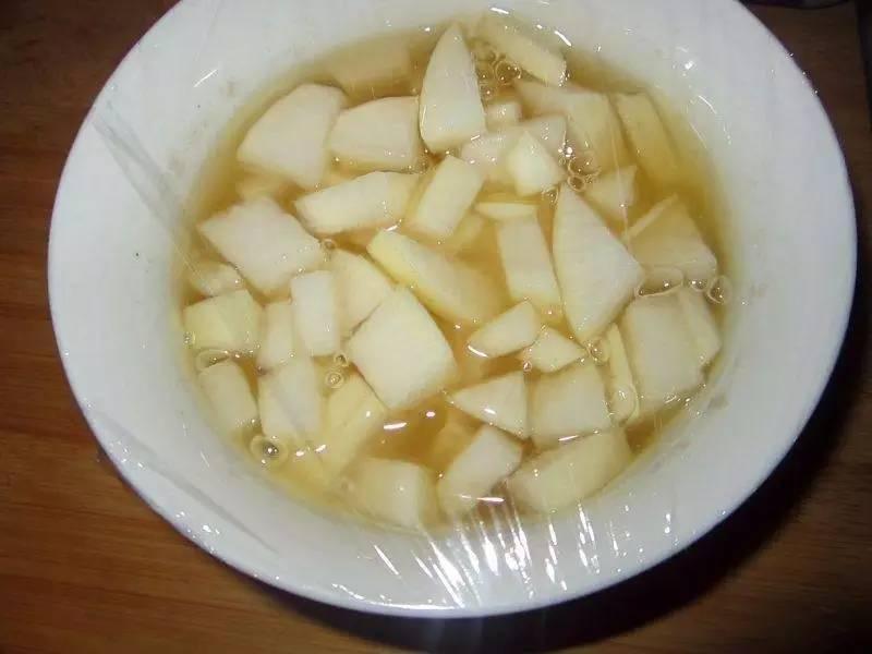 怎样用勺子舀蜂蜜 汪氏蜂蜜官网 蜂蜜牛奶冰沙 乳腺增生不能吃蜂蜜 蜂蜜美容美图