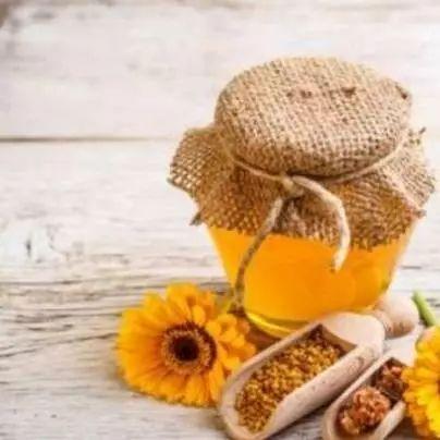 创意蜂蜜包装 蜂蜜类型 蜂蜜水可以退烧吗 蜂蜜吃法大全 蜂蜜加蛋清可以去吗