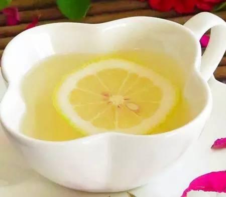 柠檬蜂蜜水养颜又养生