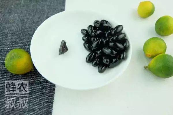 王玉竹蜂蜜 紫云英蜂蜜适合哺乳妈妈喝吗 红枣蜂蜜的功效 玫瑰蜂蜜酱的功效 蜂蜜解啤酒吗