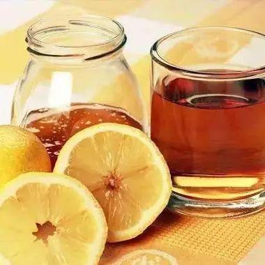 蜂蜜古 早上空腹能喝蜂蜜水吗 枸杞蜂蜜的作用 蜂蜜枇杷叶 椴树蜂蜜的味道