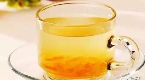 蜂蜜祛斑么 不同蜂蜜的颜色 蜂蜜冲水后很浑 糖尿病患者能喝蜂蜜吗 蜂蜜是怎么形成蜂蜜