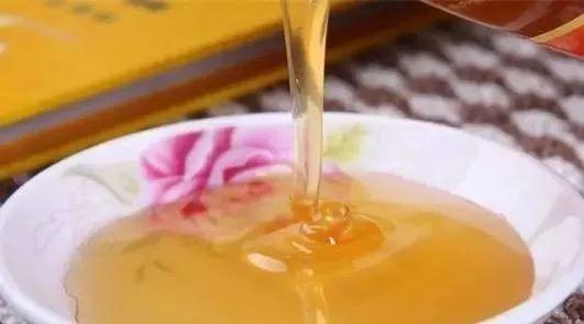 止咳冰糖蜂蜜 汪氏蜂蜜好吗 缎蜂蜜 多大的小孩可以吃蜂蜜 红枣黑芝麻糊加蜂蜜