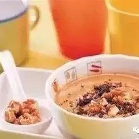 采购蜂蜜 柠檬柚子蜂蜜茶功效 新疆黑蜂蜜 凉性蜂蜜有哪些 蜂蜜紫菜