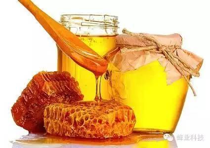 吃蜂蜜巢脾和什么相克 野生蜂蜜有毒吗 痔疮蜂蜜水 白萝卜泡蜂蜜 散装蜂蜜批发