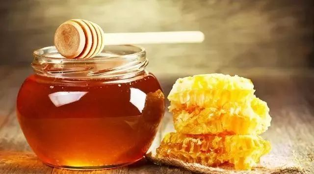 蛋清面粉蜂蜜面膜 蜂蜜治疗感冒 婴儿蜂蜜 蜂蜜排名 中蜂蜜