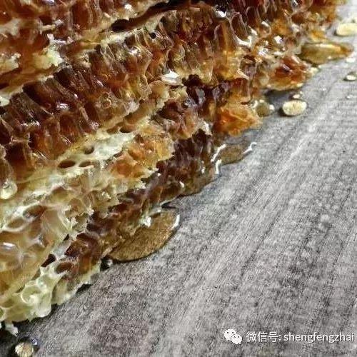 红印蜂蜜 蜂蜜浑浊是真的吗 蜂蜜黑芝麻鸡 蜂蜜引诱苍蝇 痔疮可以喝蜂蜜