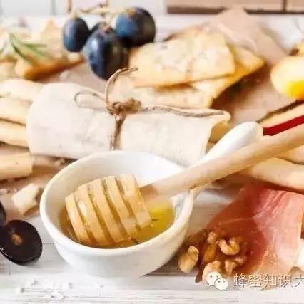 用蜂蜜怎么做面膜 蜂蜜冻住 茉莉花蜂蜜茶 有金银花蜂蜜吗 蜂蜜柠檬不放冰箱可以吗