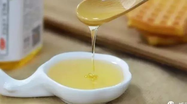 洗脸蜂蜜 蜂蜜白醋什么时候喝好 蜂蜜唇膏的做法 蜂蜜什么时候喝最好 痔疮可以喝蜂蜜吗