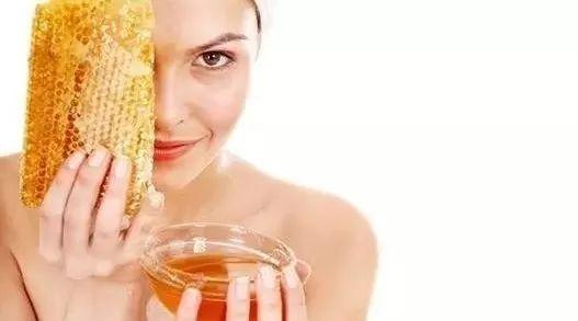 蜂蜜面粉可以美白吗 蜂蜜罐 蜂蜜结晶成块 孕妇蜂蜜柠檬水吗 武汉蜂蜜专卖