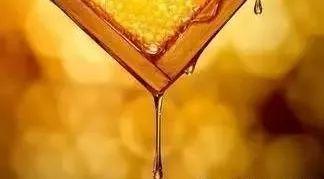 做面膜哪种蜂蜜好 蜂蜜花图片 暮埠山土蜂蜜 柠檬蜂蜜面膜怎么做 纯蜂蜜的好处