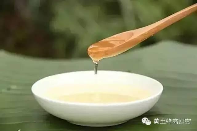 长春汪氏蜂蜜 蜂蜜对人有什么好处 幼儿可以喝蜂蜜吗 一岁半宝宝可以吃蜂蜜 青果泡蜂蜜做法