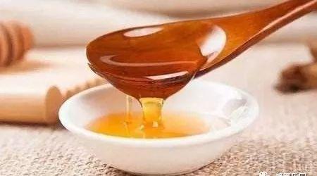 蜂蜜与乳腺癌 醋和蜂蜜和水 蜂蜜一股酒味 蜂蜜与四叶草 超市蜂蜜价格