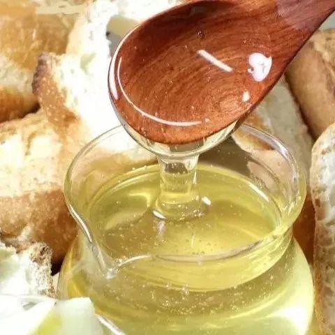蜂蜜出现白色泡沫是 灵芝蜂蜜泡酒的功效 蜂蜜金银花茶 姜汁蜂蜜保存  青川蜂蜜