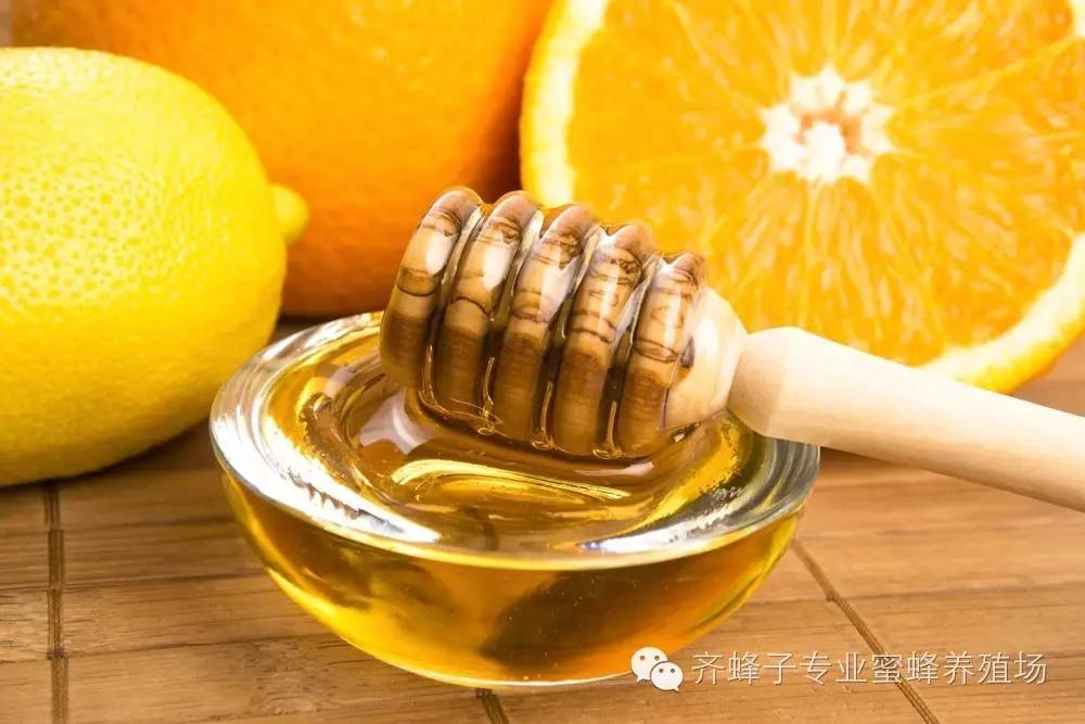 积安堂的洋槐花蜂蜜 面包蜂蜜 蜂蜜柚子茶热饮 蜂蜜有气泡还能喝吗 反流胃炎能喝蜂蜜