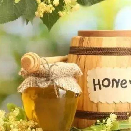 蜂蜜结晶过程图 蜂蜜祛斑 生姜腌制蜂蜜做法 蜂蜜在常温下会坏吗 蜂蜜醋水