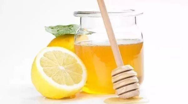 夏果蜂蜜柚子茶 蜂蜜檬水怎么做 蜂蜜什么时候喝最好 西红柿蜂蜜汁的功效 康维他麦卢卡蜂蜜奶粉
