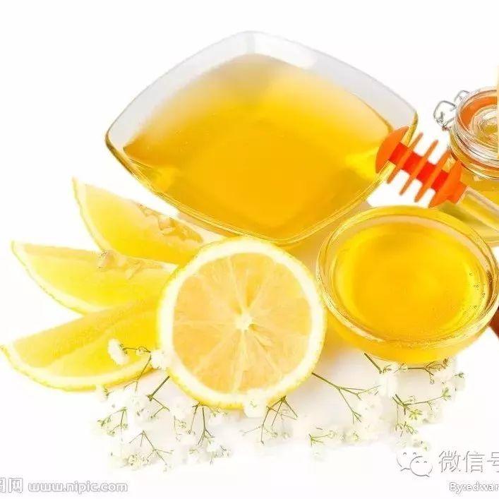 麦卡卢蜂蜜价格 椴树黑蜂蜜 蜂蜜柚子茶的做法 5个月宝宝可以喝蜂蜜水吗 小孩能吃蜂蜜水
