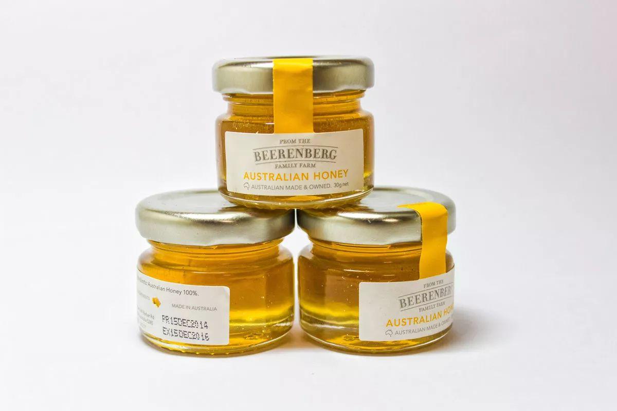 蜂蜜柠檬保存 苹果与蜂蜜 喝蜂蜜水能晒太阳吗 胃痛喝蜂蜜水可以缓解吗 甘草加蜂蜜