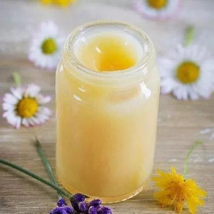 蜂蜜与四叶草第一季 冬季喝蜂蜜的好处 蜂蜜祛痘印面膜 月经来了可以喝蜂蜜水 怎样用蜂蜜敷脸