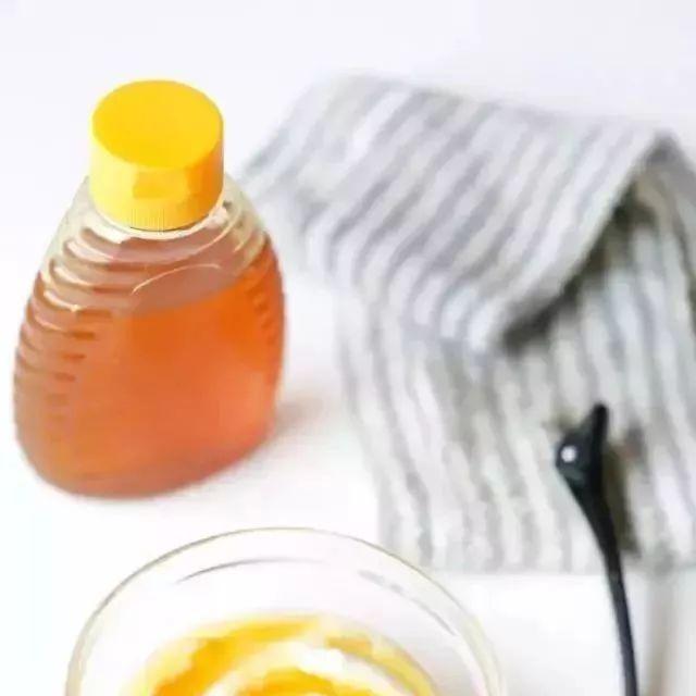 土蜂蜜起泡沫 纯蜂蜜结晶吗 蜂蜜用什么装 大蒜蜂蜜面膜 桂花蜂蜜如何