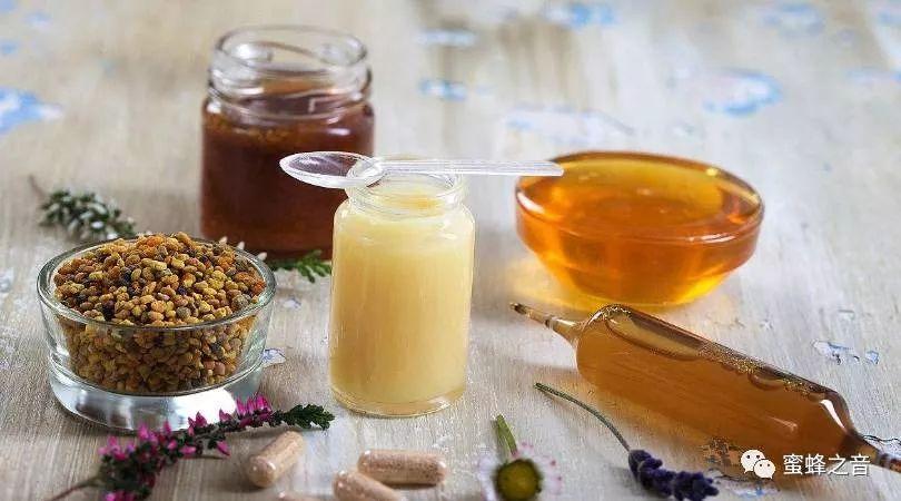 柚子柠檬蜂蜜做法 金银花能和蜂蜜一起喝 海带蜂蜜 红糖水可以加蜂蜜 每天喝蜂蜜水会长胖吗