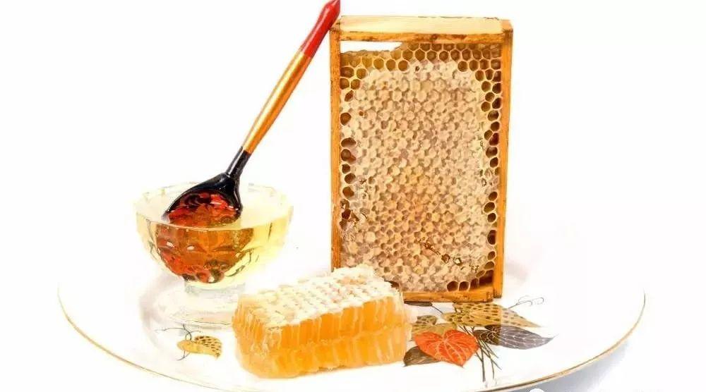 早上空腹喝蜂蜜水可以减肥吗 蜂蜜快速检测 蜂蜜用什么装 怎样腌柠檬蜂蜜 怎样做蜂蜜柚子茶