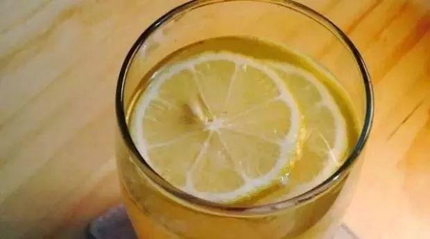 姜汁柠檬蜂蜜水 蜂之花蜂蜜 孕妇能喝蜂蜜柠檬茶吗 蜂蜜时间长了怎么办 北京同仁堂蜂蜜