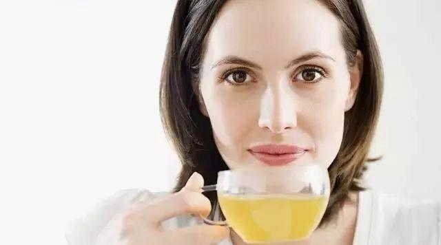 纯蜂蜜对睡眠有好处吗 阵痛喝蜂蜜水有用吗 蜂蜜柠檬酸奶 天麻蜂蜜泡酒 珍珠粉蜂蜜牛奶面膜怎么做