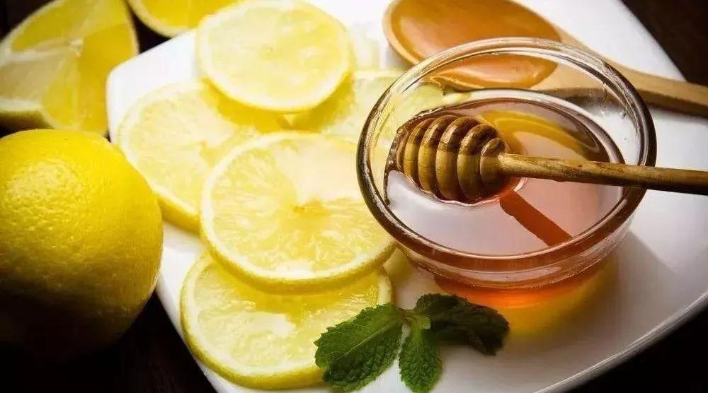 雪脂蜂蜜派派 蜂蜜怎么祛痘 蜂蜜祛斑的小窍门 姜能和蜂蜜水一起用吗 蜂蜜苦瓜茶减肥