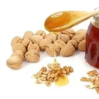 洋槐蜂蜜结晶图片 蜂蜜与血糖 蜂蜜柚子茶的做法 蜂蜜加米醋 洋葵花蜂蜜