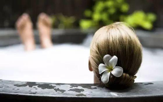 蜂蜜温泉浴,泡出天然好肌肤