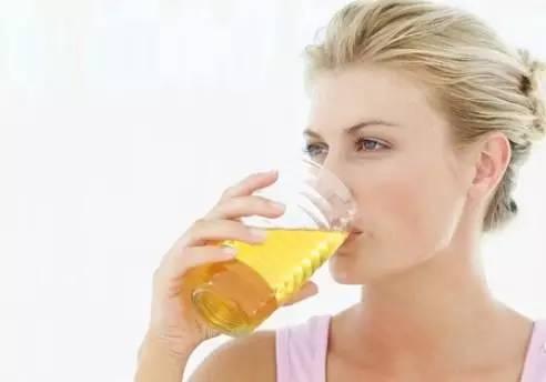 蜂王浆混合蜂蜜 蜂蜜可以天天吃吗 喝完啤酒喝蜂蜜 蜂蜜蒸红枣 蜂蜜水排毒吗
