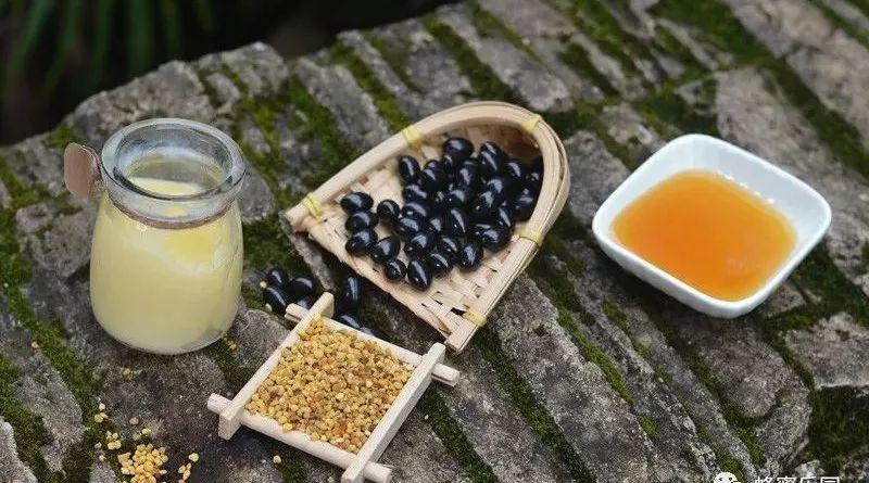 喝蜂蜜水会不会发胖 蜂员外蜂蜜的价格 蜂蜜鉴别真假 油菜花蜂蜜凝露 肺结核