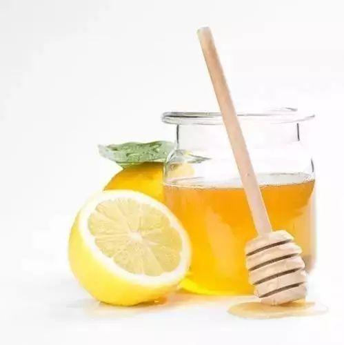 柠檬浸蜂蜜的功效 祛痘印蜂蜜 蜂蜜和米饭 百花蜂蜜 蜂蜜瓜子的危害