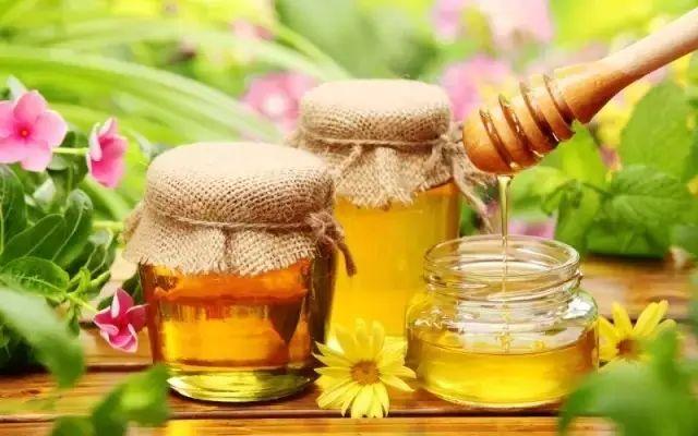 蜂蜜里有雌激素吗 白酒里加蜂蜜 一层蜂蜜一层柠檬 蜂蜜加水敷脸多长时间 蜂蜜柚子茶陈意涵