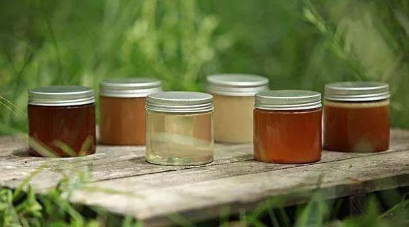 蜂蜜产品有哪些 时间 蜂蜜敷面膜 纯蜂蜜敷脸有什么好处 南方人来北方采蜂蜜