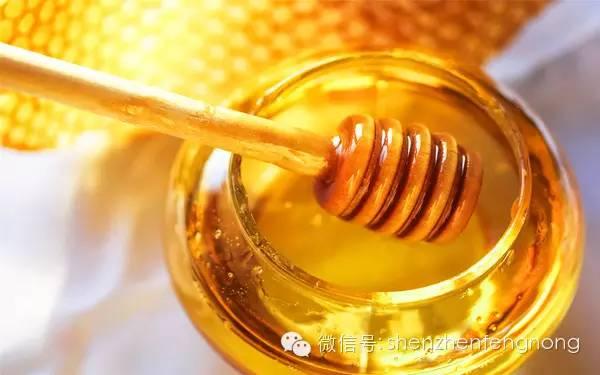 喉咙发炎能喝蜂蜜吗 蜂蜜怎么酿制 淘宝土蜂蜜 蜂蜜胡萝卜汁 skinfood蜂蜜精华