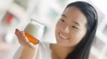 一个月一瓶蜂蜜 蜂蜜加绿茶可以减肥吗 蜂蜜制酒 蜂蜜什么人不能吃 姜丝蜂蜜减肥