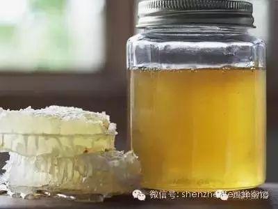 新西兰蜂蜜的功效 蜂蜜哪家最好 伤口上涂蜂蜜 尿毒症能喝蜂蜜吗 拉肚子能喝蜂蜜水吗
